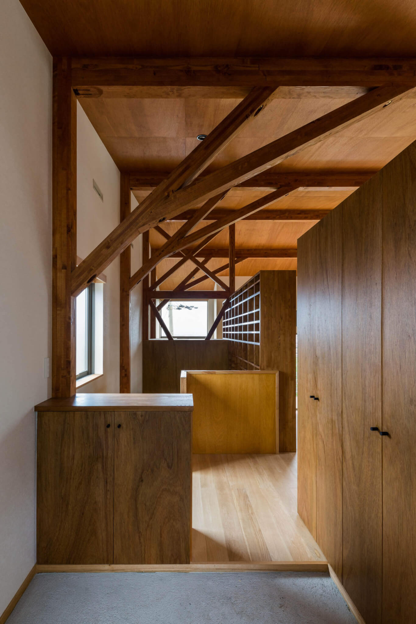 House Iw -1